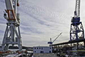 Bath-Iron-Works-cranes1